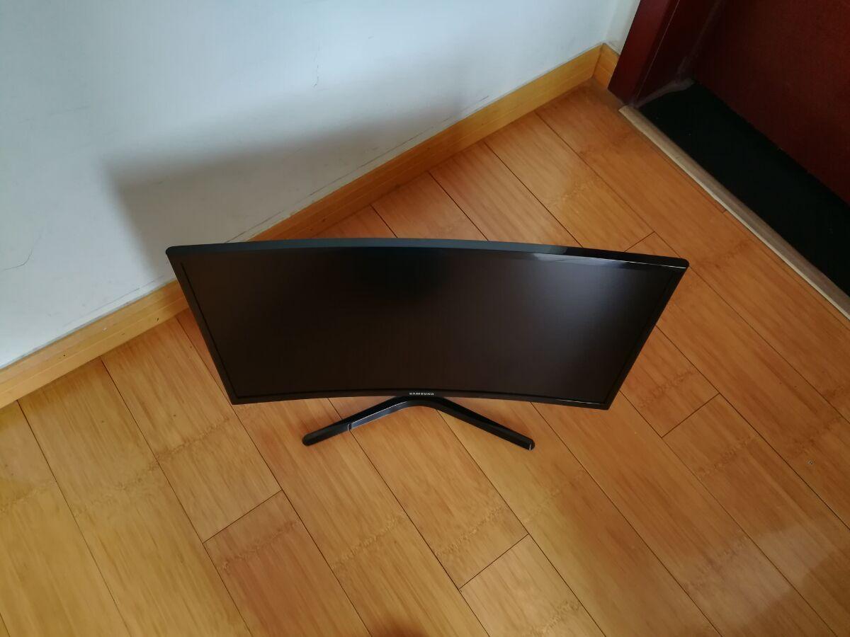 三星23.5寸曲面显示器